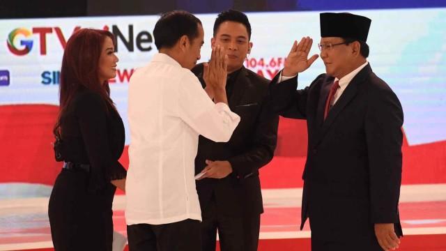 Image result for debat Pilpres II 2019/ kumparan/ gif