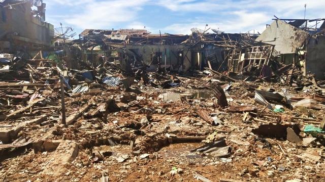 Rumah tempat bom bunuh diri yang dilakukan terduga teroris di Sibolga yang rata dengan tanah.
