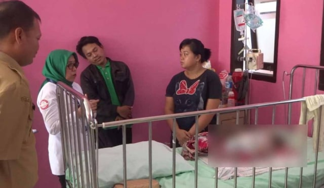 Ibu di Tulungagung Tawarkan Ginjal demi Biaya Perawatan Anaknya