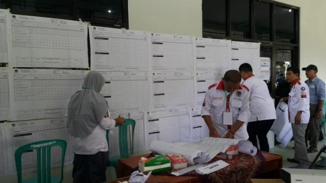 Foto: Rekapitulasi Suara Pemilu 2019 Di 7 Kecamatan Di