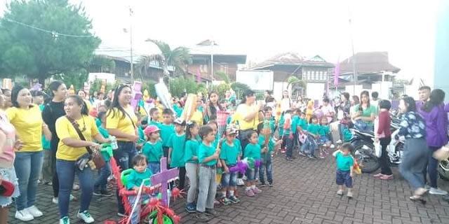 Serunya Anak Sekolah Minggu Di Minahasa Ikut Pawai Obor Paskah
