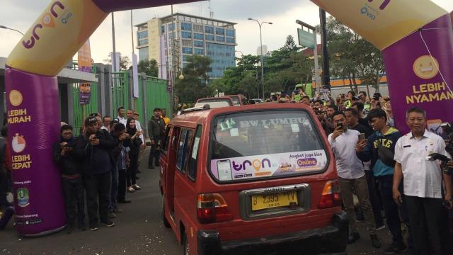 Menjajal Angkot Online dengan Halte Virtual di Bekasi - renjanaberkata.com